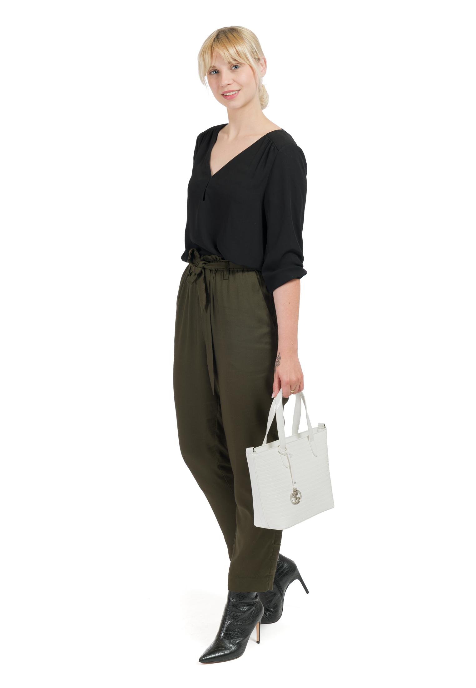 Shopper Leslie klein